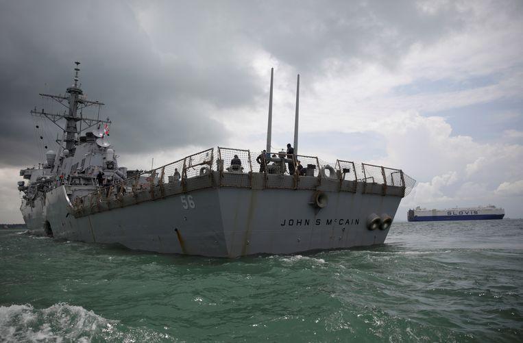De USS John S. McCain na de aanvaring in Singapore.