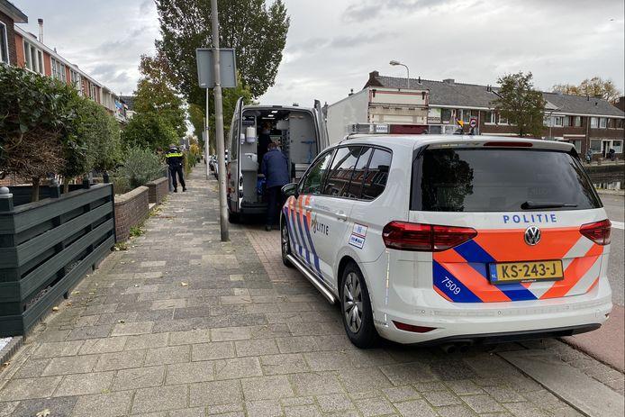 Politie doet onderzoek naar overlijdensgeval in woning aan de Reigerstraat in Gouda.