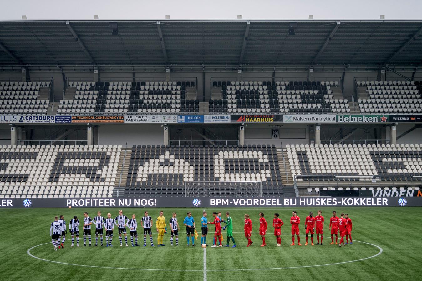Het is de vraag of de wedstrijd Jong Heracles tegen Jong FC Twente nog gespeeld gaat worden nu de KNVB een tweede elftal niet meer verplicht stelt.