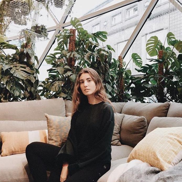 Negen jonge, modebewuste Spaanse bezoekers kregen een weekend Eindhoven cadeau in ruil voor mooie kiekjes vanuit Eindhoven op Instagram. Die werden de afgelopen dagen al meer dan 100.000 keer leuk gevonden en dat was de bedoeling van Eindhoven365.