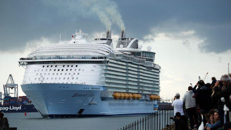 Harmony of the Seas bij het vertrek in Southampton eergisteren