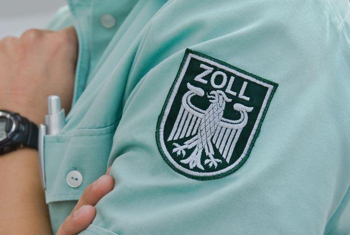 Duitse doaunebeambten vonden een half miljoen euro in de auto.