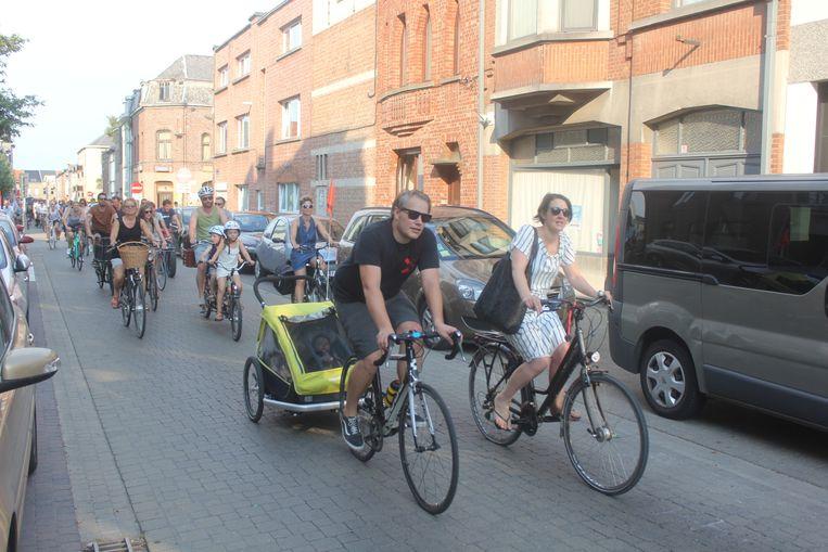 De Critical Mass Ride door de straten van Aalst.