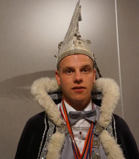 Johan vd Horst komt tevoorschijn als de nieuwe heerser van het Schottelzakkenrijk