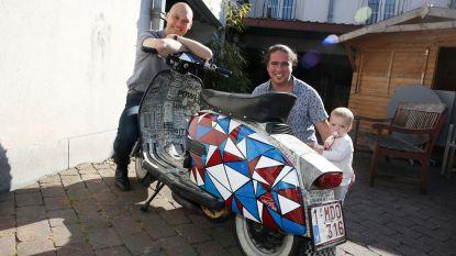 """Unieke scooter van sommelier Andy De Brouwer gestolen: """"Gouden tip levert een mooie beloning op!"""""""