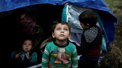 """""""Zieke migrantenkinderen krijgen geen zorg op Griekse eilanden"""""""