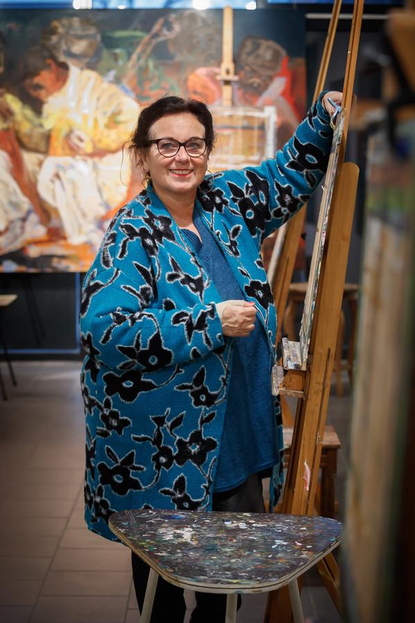Kunstenares Debbie Nijland heeft sindskort een atelier in het winkelgebied in Etten-Leur.