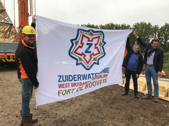 De vlag met het logo van de Zuiderwaterlinie.