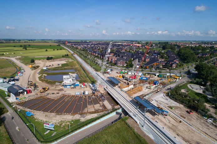 In de Zwolse wijk Stadshagen wordt er gewerkt een nieuw tussenstation op het Kamperlijntje: Zwolle Stadshagen.