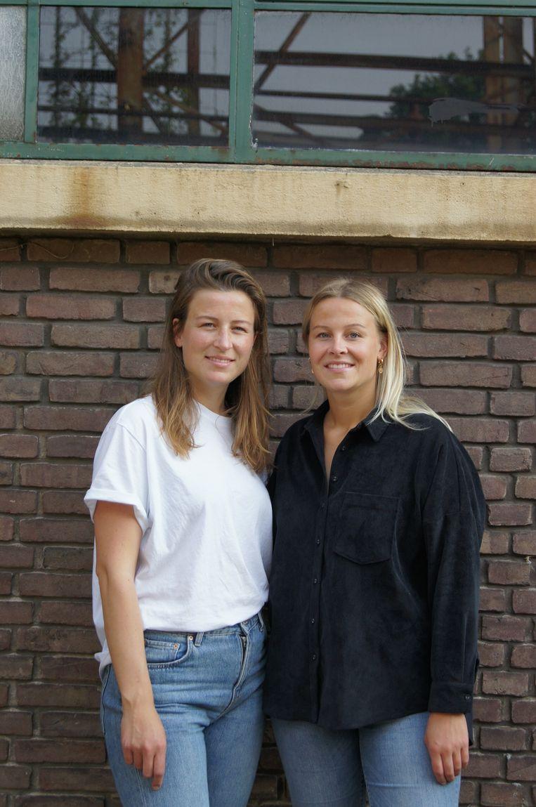 Natascha (links) en Anouschka Hendriks.    Beeld Jungl