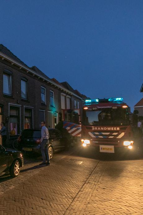 Fout geparkeerde auto's belemmeren snelle uitruk voor brand in tosti-ijzer
