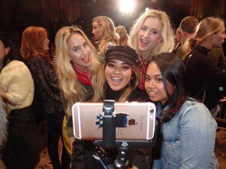 Boven: de zusjes Elise en Vita Boers van Blondetigers. Midden: vlogger Jessica Cleani. En rechts: student Teri-Ann Karjamenawi: