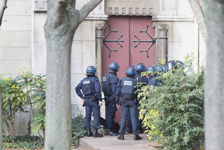 Politie-actie in Saint-Denis. Beeld photo_news