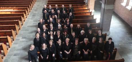 Wamels popkoor Con Brio viert jubileum met muzikale tour door de geschiedenis