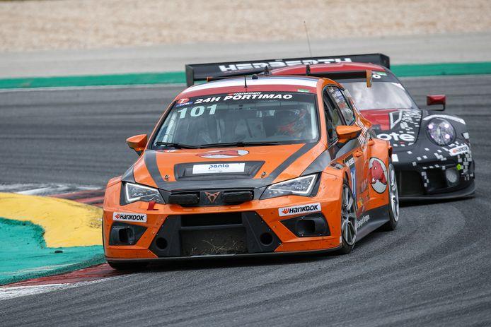 Rik Breukers racet over het circuit van Portimao.