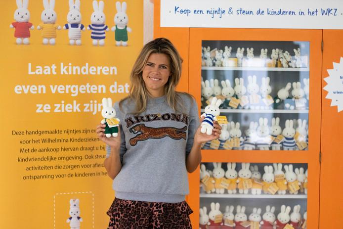 Speciaal voor het Wilhelmina Kinderziekenhuis (WKZ) van het UMC Utrecht heeft Just Dutch in samenwerking met Mercis een exclusieve reeks handgemaakte nijntjes ontwikkeld. Deze nijntjes zijn gehaakt door kansarme vrouwen in Vietnam wat hen een stabiel inkomen oplevert.