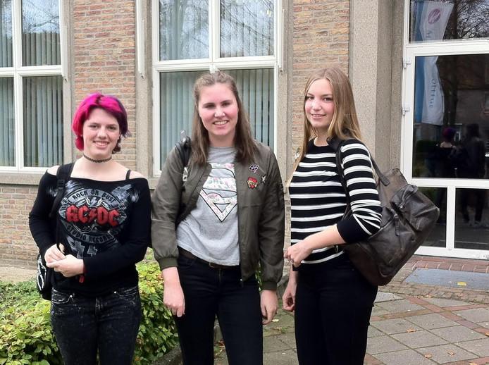 Ayla van den Boom, Loes van de Burgt en Renate van Orsouw