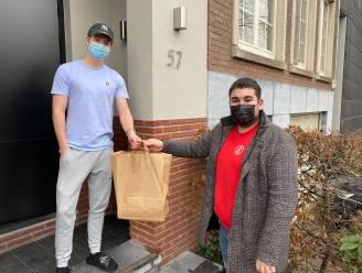 Jongsocialisten Hasselt steunen studenten en Autisme Leeft vzw met 'examenoverlevingskit'