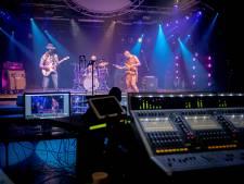 Via een livestream naar een concert van je favoriete band in coronatijd: 'Zonder applaus, supervreemd'