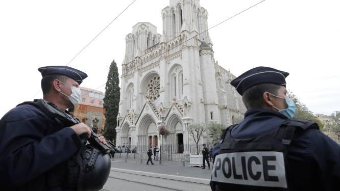 """""""Verdachte mesaanval Nice is 21-jarige Tunesiër"""" - Ook arrestaties in Lyon en Parijs - President Macron mobiliseert extra militairen"""
