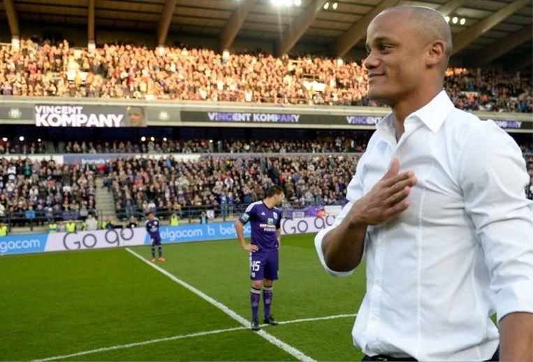 Vincent Kompany kondigt op Facebook aan dat hij speler-trainer zal worden bij Anderlecht
