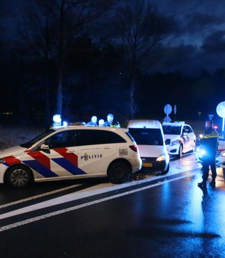 Politie rijdt na achtervolging verdachte van inbraak in wasstraat klem bij Arnhem