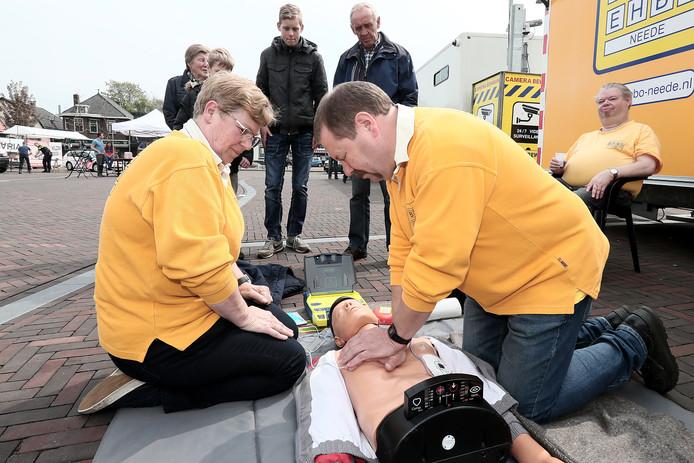 Neede - Veiligheidsdag op het Vlearmoesplein met verschillende hulpdiensten Editie AC Foto Jan Houwers JH20170507