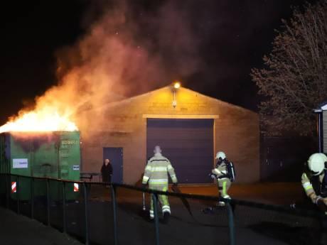 Brand in papiercontainer zorgt voor paniek in IJsselmuiden