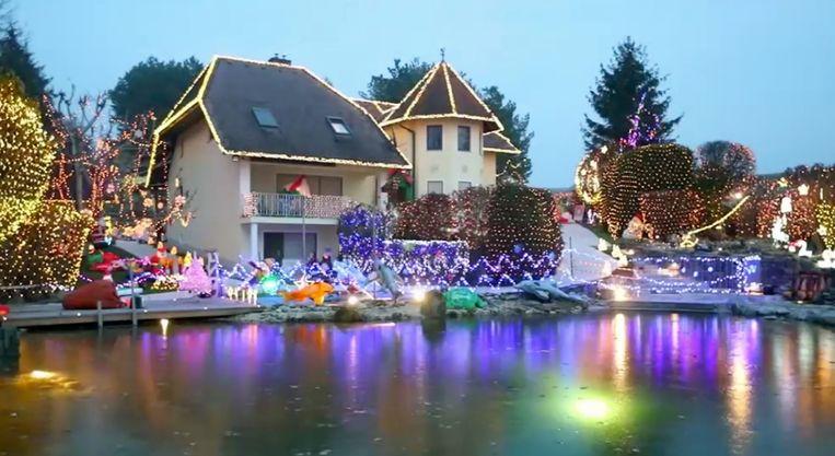 Oostenrijkse vrouw versiert huis met half miljoen kerstlichtjes