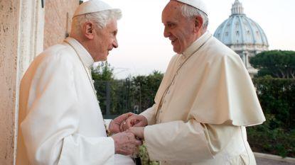 Paus reageert op uitspraken van voorganger over hoe heilig celibaat is