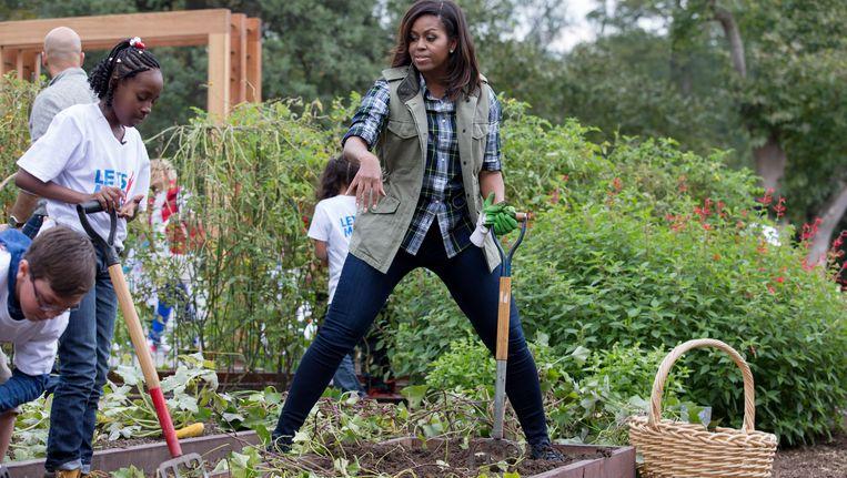 Michelle obama maakt moestuin witte huis winterklaar voor opvolg st er nieuws hln - Witte salontafel thuisbasis van de wereldberoemde ...