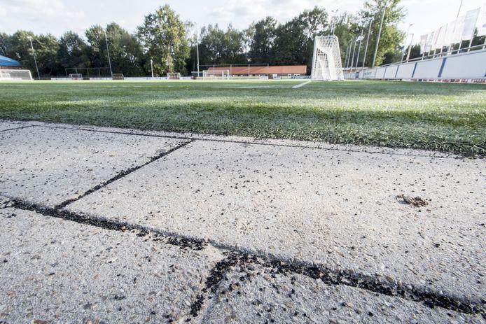 De kunstgrasvelden van Vogido waar rubber 'weglekte' en sportbedrijf Sportaal als eigenaar van de velden zelfs werd aangeklaagd voor milieu-overtredingen.
