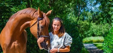 Nuria (17): 'De druk onder jongeren wordt enorm opgevoerd: het is 'cool' als je hét hebt gedaan'