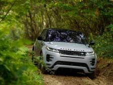 'Onzichtbare motorkap' en diep door het water: zo rijdt de nieuwe Range Rover Evoque