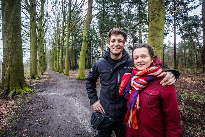 Tobias Knockaert en Kika Merlin uit Brugge hebben de vergunning gekregen om tijdelijk boomhuthotels te bouwen in Ryckevlede