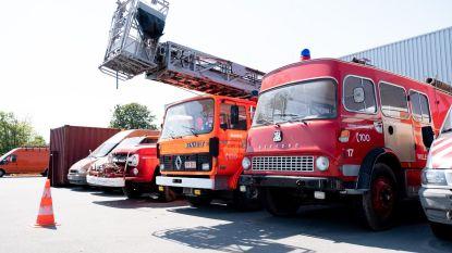 Drie oude brandweerwagens te koop