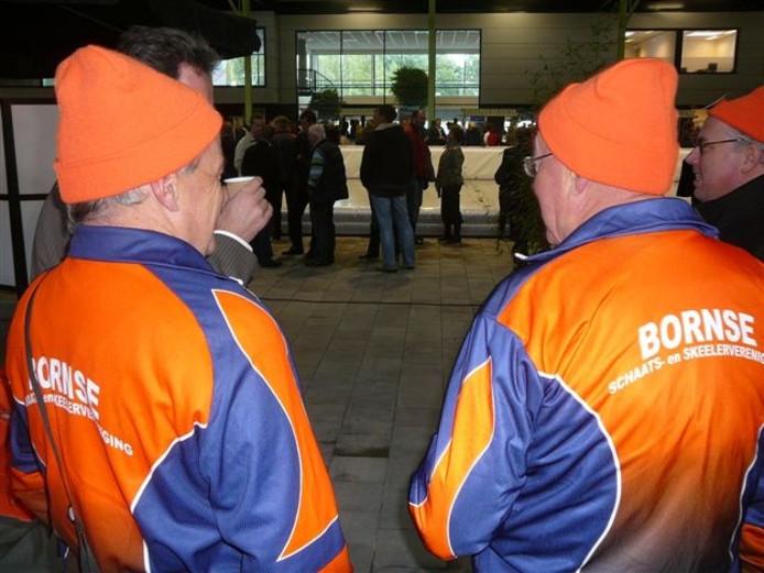 Ook de Bornse IJsclub is in zijn nopjes met de nieuwe baan in Enschede. Foto: Dolf Ruesink