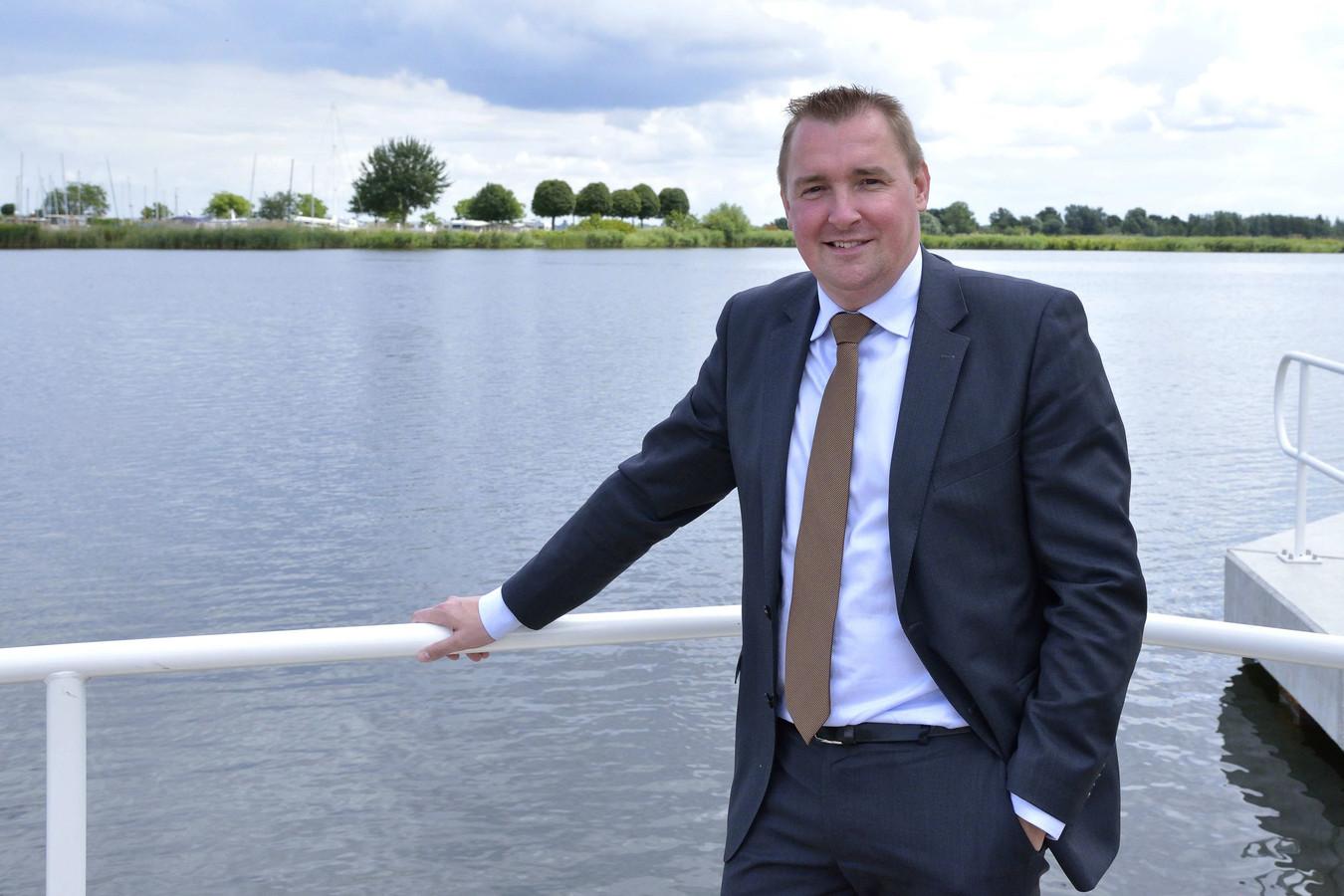 Gerben Dijksterhuis is nu nog wethouder in Zeewolde. Hij wordt per 15 juni burgemeester van Borsele in Zeeland.