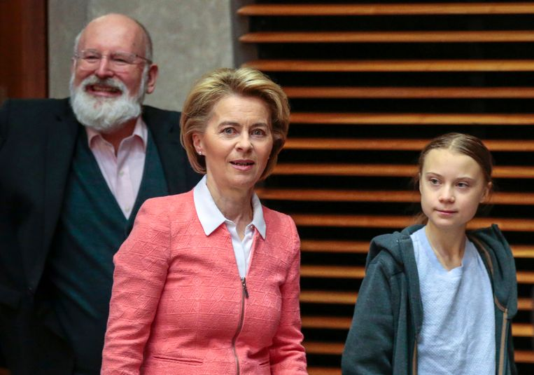 Frans Timmermans, hier met Commissievoorzitter Ursula von der Leyen en de Zweedse klimaatactivist Greta Thunberg. Beeld EPA