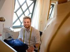 Anton (20) uit Enschede is couturier: 'Het is echt een ambacht'