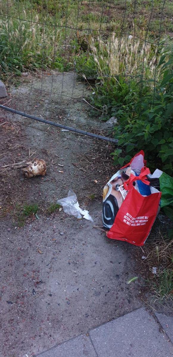 Ook ander afval wordt er regelmatig achtergelaten.