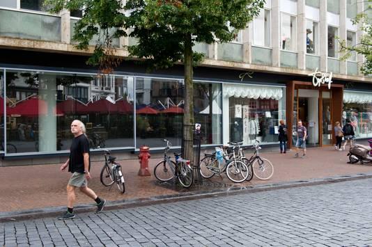 Topshelf Nijmegen in ene half leeg winkelpand.