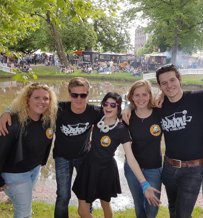 Elise, Herman, Melissa, Chris en Bram van Ondertussen074.