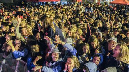 Jongeren massaal uit de bol op Dag van de Jeugdbeweging op Grote Markt