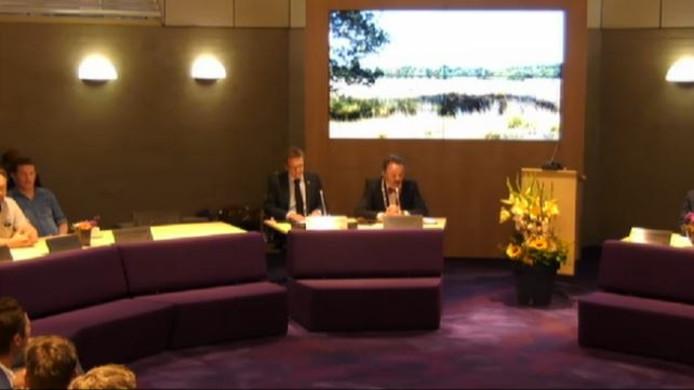 Still uit video van vergadering op de site van raad Goirle.