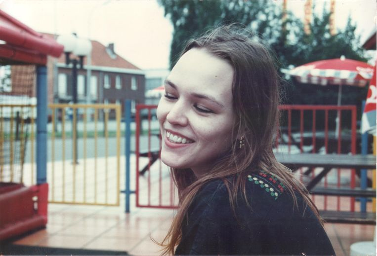 """De 20-jarige Sally Van Hecke werd op 10 augustus dood teruggevonden op het strand van Sint-Anneke op de Antwerpse Linkeroever. Journalisten Kurt Wertelaers en Karel Lattrez beten zich volgens VTM vast in de zaak en hebben daarbij """"de vermoedelijke dader"""" gevonden."""