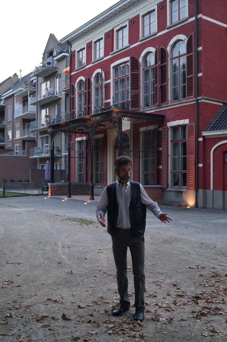 Tielt Vanessentens - Bezoekers lopen Jacky Vanmaele tegen het lijf ter hoogte van Huis Mulle