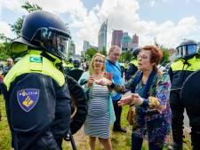 Sfeer grimmig op Malieveld, maar politie houdt controle: 'Dit is een dictatuur, vuile honden'