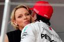 Charlene de Monaco félicite le vainqueur, Lewis Hamilton