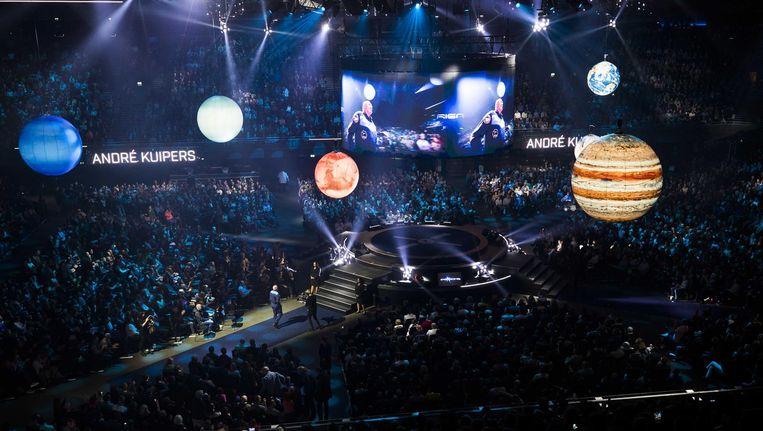 Zelfs op de avond van Sint-Maarten zaten er 13.000 mensen in de concertzaal in Amsterdam-Zuidoost. Beeld ANP